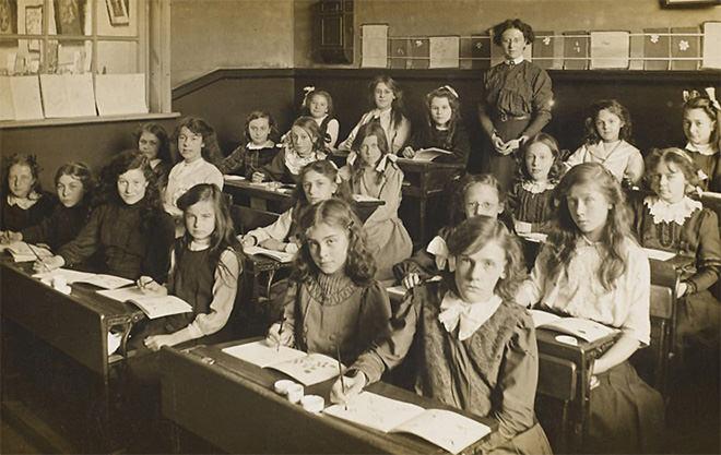 Victorian classroom rows